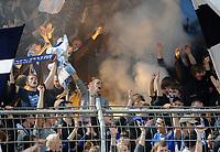 Fotball<br /> Tyskland<br /> 18.09.2010<br /> Foto: Witters/Digitalsport<br /> NORWAY ONLY<br /> <br /> brennende Fahnen im Fanblock Bochum<br /> 2. Bundesliga, Rot-Weiss Oberhausen - VfL Bochum 3:1