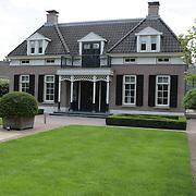 NLD/Bussum/20080716 - Nieuwe woning van Ronald Koeman in Bussum