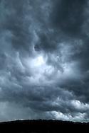 France, Languedoc Roussillon, Gard (30), ciel d'orage