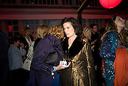 NONA SUMMERS; BIANCA JAGGER, The Summer Party. Hosted by the Serpentine Gallery and CCC Moscow. Serpentine Gallery Pavilion designed by Frank Gehry. Kensington Gdns. London. 9 September 2008.  *** Local Caption *** -DO NOT ARCHIVE-© Copyright Photograph by Dafydd Jones. 248 Clapham Rd. London SW9 0PZ. Tel 0207 820 0771. www.dafjones.com.