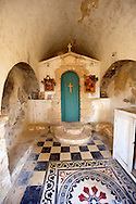 Interior of Ayii Theodori, Paliachora,   Aegina, Greek Saronic Islands .<br /> <br /> If you prefer to buy from our ALAMY PHOTO LIBRARY  Collection visit : https://www.alamy.com/portfolio/paul-williams-funkystock/aegina-greece.html <br /> <br /> Visit our GREECE PHOTO COLLECTIONS for more photos to download or buy as wall art prints https://funkystock.photoshelter.com/gallery-collection/Pictures-Images-of-Greece-Photos-of-Greek-Historic-Landmark-Sites/C0000w6e8OkknEb8