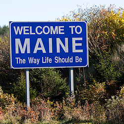 Welcome to Maine sign on I-95 in Kittery, Maine.