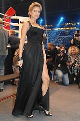 29-05-2010 BOKSEN: KLITSJKO - SOSNOWSKI: GELSENKIRCHEN<br /> Zwaargewicht Vitali Klitsjko heeft in Gelsenkirchen zijn wereldtitel (WBC) met succes verdedigd. Hij versloeg zijn Poolse tegenstander Albert Sosnowski door een knock-out in de tiende ronde / Sylvie van der Vaart<br /> ©2010- FRH-nph / Witke
