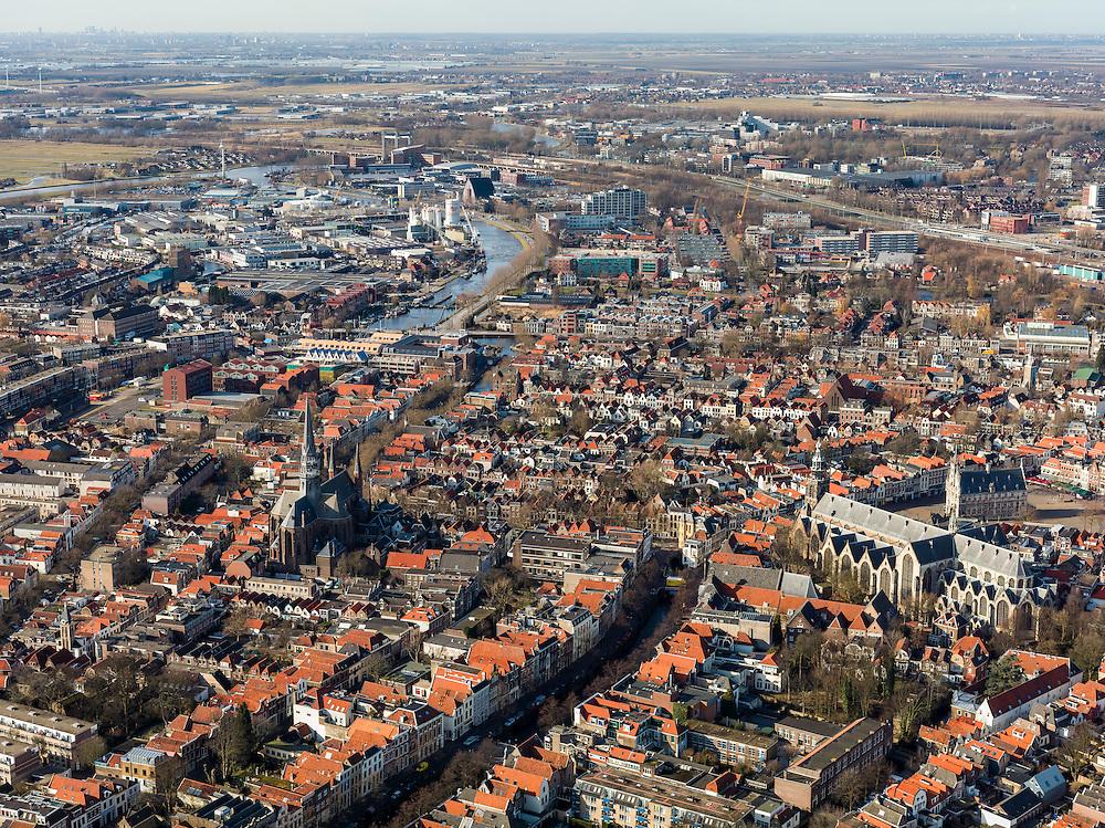 Nederland, Zuid-Holland, Gouda, 20-02-2012; zuidelijk gedeelte van de binnenstad met Gouwekerk, rechts Grote of Sint-Janskerk en op de Markt het gotische Stadhuis (r)..Gouda is bekend van de goudse kaas, kaarsen, pijpen en stroopwafels.The old town of  Gouda, with church and   gothic city hall (r). Gouda is famous for its cheese, candles, pipes and caramel waffles. .luchtfoto (toeslag), aerial photo (additional fee required) .copyright foto/photo Siebe Swart