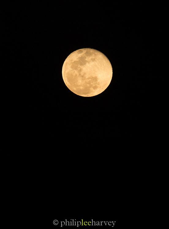 Full Moon, Skeleton Coast, hoanib river, Northern Namibia, Southern Africa
