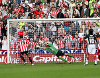 Photo: Mark Stephenson/Richard Lane Photography. <br /> Sheffield United v Cardiff City. Coca-Cola Championship. 19/04/2008. <br /> Shffield's Gary Speed scores from the penalty spot for 2-1