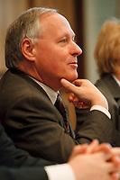 """20.01.1999, Deutschland/Bonn:<br /> Oskar Lafontaine, SPD, Bundesfinanzminister, während einer Pressekonferenz zum Thema """"Bundeshaushalt 99"""", Bundes-Pressekonferenz, Bonn<br /> Oskar Lafontaine, SPD, Federal Minister for Finance, during a press conference, Bundes-Pressekonferenz<br /> IMAGE: 19990120-04/01-35"""
