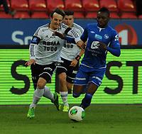 Fotball Tippeligaen Rosenborg - Haugesund<br /> 20 september 2013<br /> Lerkendal Stadion, Trondheim<br /> <br /> <br /> Mike Jensen, Rosenborg (V) og Umaru Bangura, Haugesund, i duell<br /> <br /> Foto : Arve Johnsen, Digitalsport