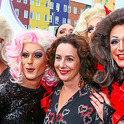 NLD/Amsterdam/20180616 - 26ste AmsterdamDiner 2018, Femke Halsema met drgqueens