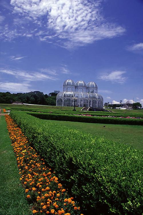 Curitiba_PR, Brasil...Estufa do Jardim Botanico Fanchette Rischbieter inaugurado em 1991 em Curitiba, Parana...The greenhouse in Fanchette Rischbieter Botanic Garden created in 1991, Curitiba, Parana...Foto: JOAO MARCOS ROSA /  NITRO
