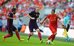 LONDON, ENGLAND - Saturday, August 6, 2016: Liverpool's Roberto Firmino in action against Barcelona during the International Champions Cup match at Wembley Stadium. (Pic by David Rawcliffe/Propaganda)