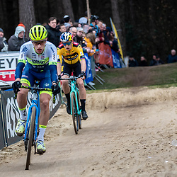2020-02-08 Cycling: dvv verzekeringen trofee: Lille:Quinten Hermans and Wout van Aert forming a leading group