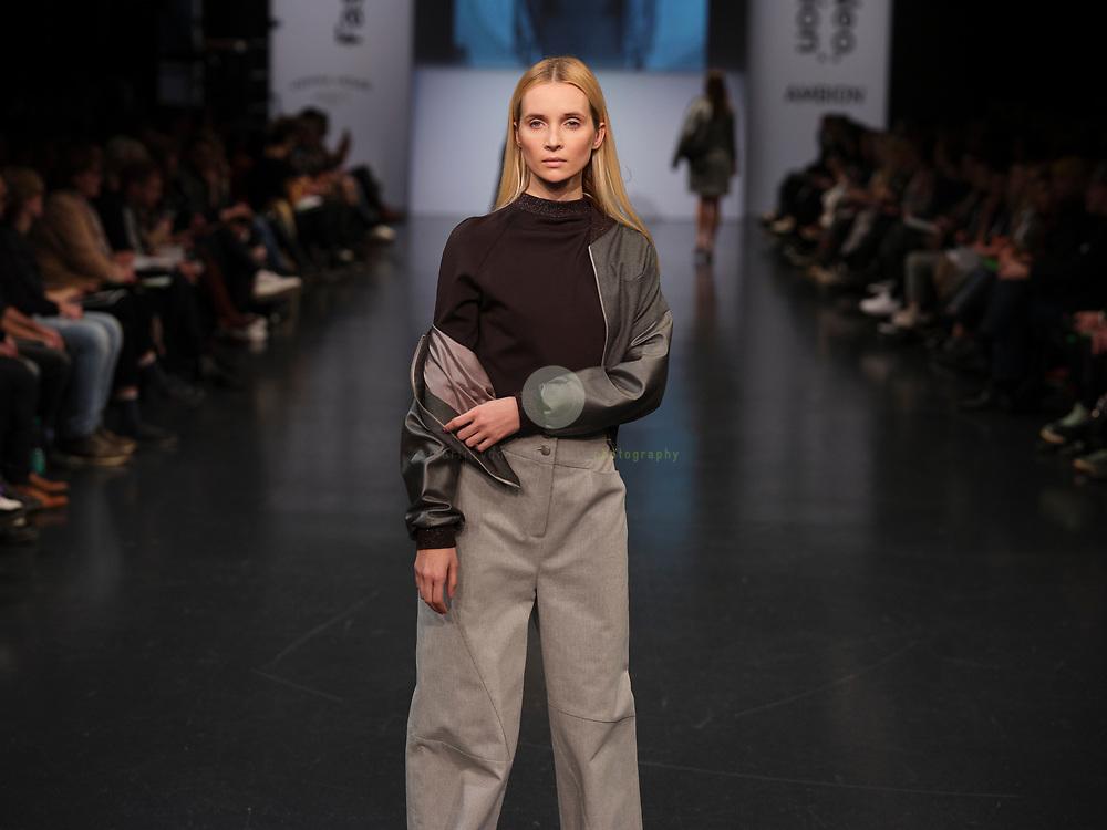 DEU, Deutschland, Berlin, 13.01.2020 / Das erste Event der Berliner Fashion Week ist den kommenden Modedesignern vorbehalten: im Rahmen der Neo.Fashion 2020 zeigen Graduierte aus 9 Modehochschulen ihre Arbeiten. Location: Reef Berlin, im Vienna House Andel's Berlin