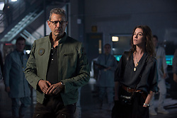 DF-08566r - Dr. Catherine Marceaux (Charlotte Gainsbourg) and David Levinson (Jeff Goldblum) investigate some clues about the aliens' imminent attack. Photo Credit: Claudette Barius.