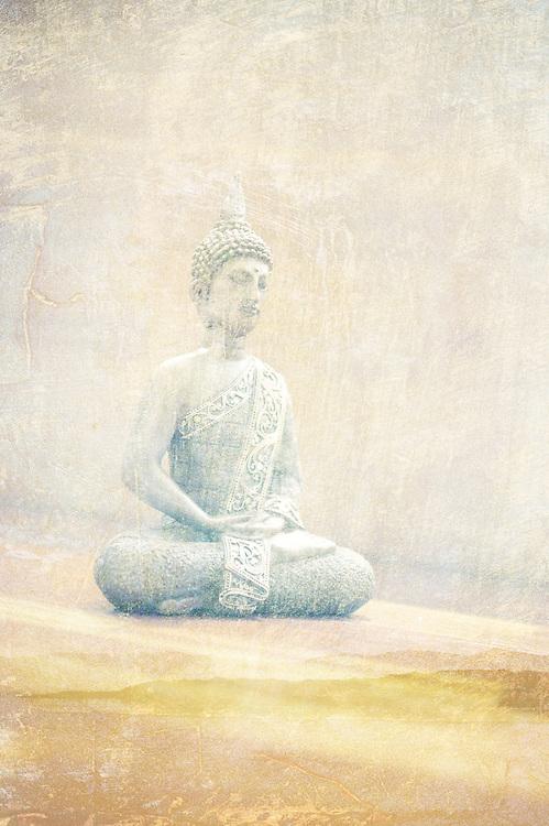 Buddhist Photoillsutration with meditative statues