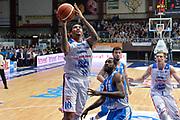 DESCRIZIONE : Cantù Lega A 2015-16 Acqua Vitasnella Cantu' vs Dinamo Banco di Sardegna Sassari<br /> GIOCATORE : LaQuinton Ross<br /> CATEGORIA : Tiro sequenza<br /> SQUADRA : Acqua Vitasnella Cantu'<br /> EVENTO : Campionato Lega A 2015-2016<br /> GARA : Acqua Vitasnella Cantu'  Dinamo Banco di Sardegna Sassari<br /> DATA : 12/10/2015<br /> SPORT : Pallacanestro <br /> AUTORE : Agenzia Ciamillo-Castoria/I.Mancini<br /> Galleria : Lega Basket A 2015-2016  <br /> Fotonotizia : Acqua Vitasnella Cantu'  Lega A 2015-16 Acqua Vitasnella Cantu' Dinamo Banco di Sardegna Sassari   <br /> Predefinita :