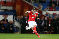 Gareth Bale of Wales © has a shot at goal from a free-kick. Wales v Moldova , FIFA World Cup qualifier at the Cardiff city Stadium in Cardiff on Monday 5th Sept 2016. pic by Andrew Orchard, Andrew Orchard sports photography