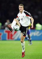 Fotball<br /> Privatlandskamp<br /> Tyskland v Brasil<br /> Berlin<br /> 8. september 2004<br /> Foto: Digitalsport<br /> NORWAY ONLY<br /> Robert HUTH - Tyskland