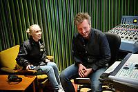 Fotball<br /> 23.03.17 , 20170323<br /> Frontfigur Ingrid Helene Håvik og produsen Kåre Vesterheim i Highasakite i studio i forbinelse med at de har laget en ny Tippeligahymne <br /> Foto: Sjur Stølen / Digitalsport