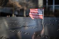 NEW YORK  2020V10<br /> <br /> Amerikansk flagga vid monumentet Ground Zero<br /> American flag by the Ground Zero monument.<br /> <br /> Foto: Per Danielsson/Projekt.P