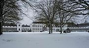 Eerste sneeuwstorm in ruim tien jaar. Het KNMI geeft code rood af. Paleis Soestdijk in de sneeuw