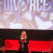 NLD/Amsterdam/20121210 - Persviewing Divorce, Linda de Mol
