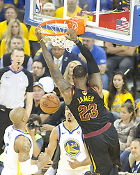 May 31, 2018 - Oakland, California, U.S - LeBron James #23 of the Cleveland  Cavaliers dunks the  ball during  their NBA Championship Game 1 with the  Golden State Warriors  at Oracle Arena in Oakland,  California on Thursday,  May 31, 2018. ARMANDO  ARORIZO/PI (Credit Image: © Prensa Internacional via ZUMA Wire)
