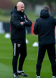 CARDIFF, WALES - Monday, March 29, 2021: Wales' care-taker manager Robert Page during a training session at the Vale Resort ahead of the FIFA World Cup Qatar 2022 Qualifying Group E game against the Czech Republic. (Pic by David Rawcliffe/Propaganda)