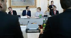 """24.09.2016, Bundeskanzleramt, Wien, AUT, Gipfeltreffen unter dem Titel """"Migration entlang der Balkanroute"""", im Bild v.l.n.r. Bundeskanzler Christian Kern (SPÖ) und Bundeskanzlerin Deutschland Angela Merkel // f.l.t.r. Federal Chancellor of Austria Christian Kern and Chancellor of Germany Angela Merkel during """"Migration along the Balkan route"""" Summit in Vienna, Austria on 2016/09/24, EXPA Pictures © 2016, PhotoCredit: EXPA/ BKA/ Andy Wenzel <br /> <br /> ***** VOLLSTÄNDIGE COPYRIGHTNENNUNG VERPFLICHTEND // MANDATORY CREDIT *****"""