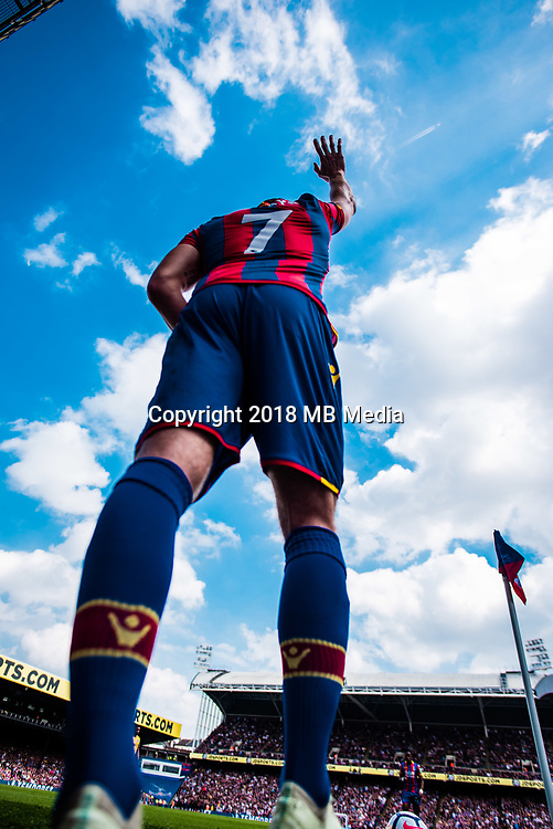 LONDON, ENGLAND - MAY 13: Yohan Cabaye take corner kick during  the Premier League match between Crystal Palace and Brighton at Selhurst Park on April 14, 2018 in London, England. (Photo by Sebastian Frej/MB Media/Getty Images)