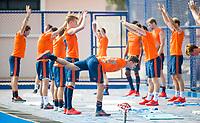 BHUBANESWAR (INDIA) -  Het Nederlands team trainde vanmorgen licht voor de wedstrijd tegen Canada bij het WK Hockey heren.  midden, Sander de Wijn (Ned)  . COPYRIGHT  KOEN SUYK