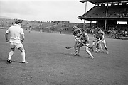 16/05/1965<br /> 05/16/1965<br /> 16 May 1965<br /> National Hurling League Final: Kerry v Laois at Croke Park, Dublin.<br /> The start of the game under the new rule introduced for the first time. The referee throws in the ball to the mid-field players only.