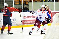 Ishockey , 6. April 2013, GET-Liga ,<br /> Lørenskog Ishockey - Vålerenga Ishockey<br /> Brendan brooks - VIF <br /> Jens Skålberg - Lørenskog<br /> Foto: Sjur Stølen , Digitalsport