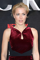 November 1, 2016 - London, UK - London, UK, Gillian Anderson, The Crown - Global premiere, (Credit Image: © Richard Goldschmidt/London News Pictures via ZUMA Wire)