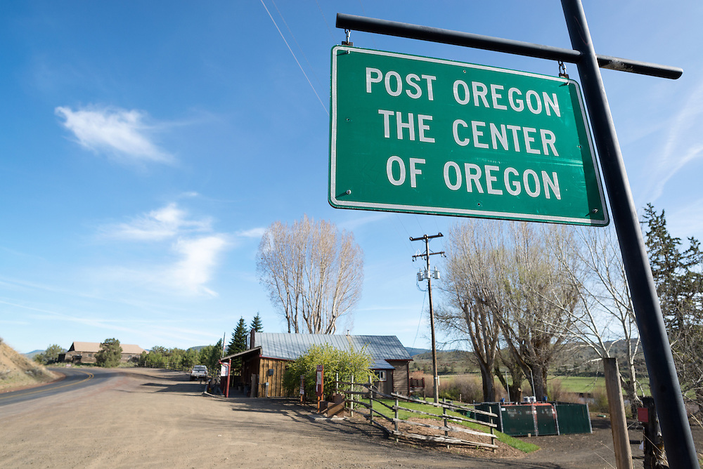 Sign in Post, Oregon.