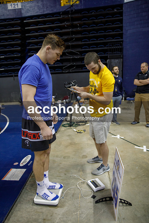 2018 January 02: Jacob Kasper of Duke Blue Devils wrestling weighs in on Tuesday, January, 2, 2018 during the Southern Scuffle at McKenzie Arena in Chattanooga, TN.