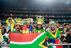 Torcedores africanos durante amistoso contra África do Sul, no estádio Soccer City, em Joanesburgo. FOTO: Jefferson Bernardes/ Agência Preview