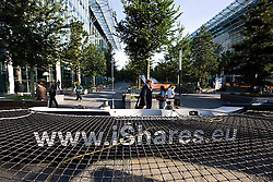 © Sander van der Borch. Amsterdam,  11 September 2008. iShares cat on Zuiplein, WTC.