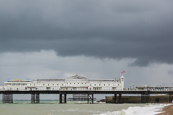 September 10, 2018 - Brighton, East Sussex, United Kingdom - Brighton, UK. Dark clouds and the occasional rain shower is hitting Brighton and Hove. (Credit Image: © Hugo Michiels/London News Pictures via ZUMA Wire)