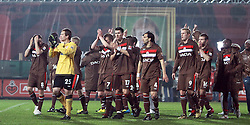 12.04.2010, Millerntor-Stadion, Hamburg, GER, 2. FBL, FC St. Pauli vs FC Augsburg, im Bild Team vom FC St.Pauli nach dem Sieg, EXPA Pictures © 2010, PhotoCredit: EXPA/ nph/  Kohring / SPORTIDA PHOTO AGENCY