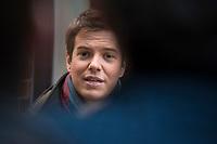 21 JAN 2013, BERLIN/GERMANY:<br /> Lasse Becker, Vorsitzender Junge Liberale, Julis, spricht mit Journalisten, vor Beginn der Sitzung des FDP Bundesvorstandes, Thomas-Dehler-Haus<br /> IMAGE: 20130121-01-001
