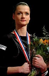 02-05-2004 TURNEN: EUROPEES KAMPIOENSCHAP DAMES: AMSTERDAM<br /> Svetlana Khorkina RUS<br /> ©2004-www.fotohoogendoorn.nl