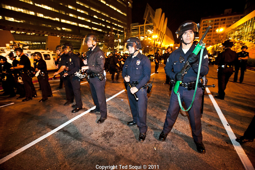 LAPD attempt to move out demonstrators at Occupy L.A..L.A. Mayor Antonio Villaraigosa gave the occupiers a deadline of 12:01am to move move. Occupy L.A. held their ground, and the police did not move them from the city hall lawn where they have been camping for the last two months.