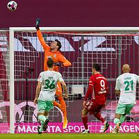 21.11.2020, Allianz Arena, Muenchen, GER,  FC Bayern Muenchen SV Werder Bremen <br /> <br /> <br />  im Bild Jiri Pavlenka (SV Werder Bremen #1) mit Christian Gross (SV Werder Bremen #36) Robert Lewandowski (FCB #9) Oemer Toprak (SV Werder Bremen #21) <br /> <br /> <br /> <br /> Foto © nordphoto / Straubmeier / Pool/ <br /> <br /> DFL regulations prohibit any use of photographs as image sequences and / or quasi-video.