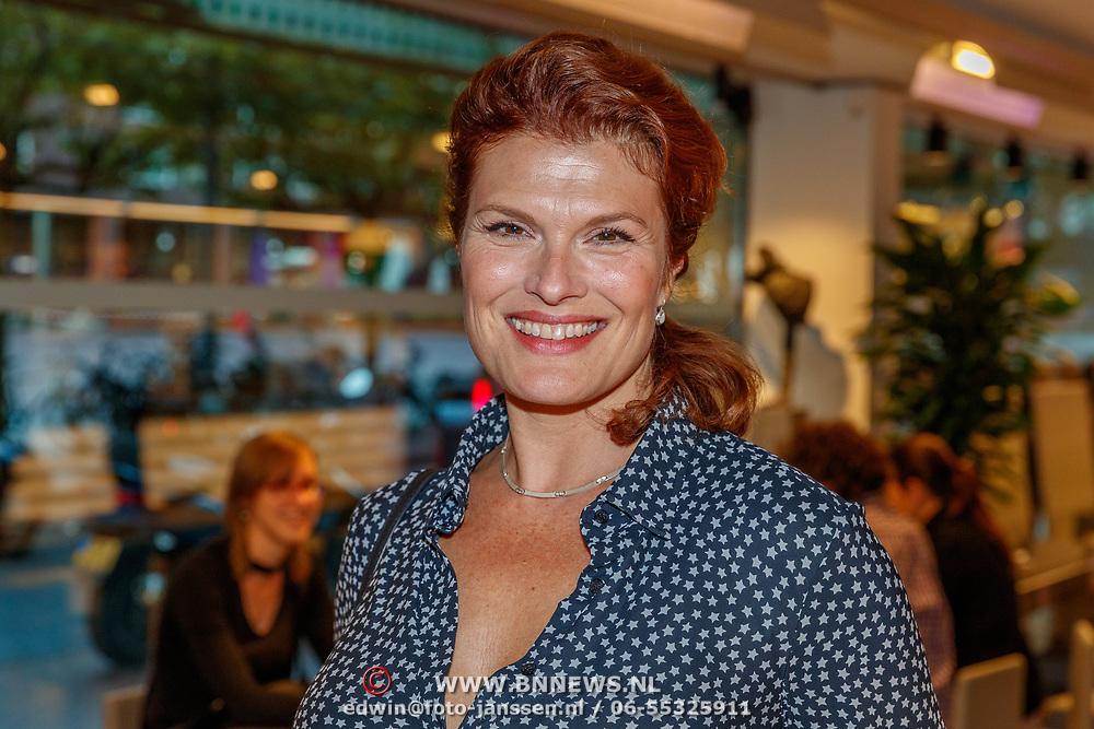 NLD/Amstelveen/20180924 - Toneelstuk Kunst & Kitsch premiere, Anouk van Nes