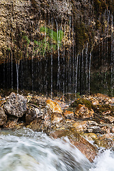 THEMENBILD - die Triefen ist ein Naturwunder, Erholungsort und steht seit 2001 unter Naturschutz. Beim Naturdenkmal in Maria Alm handelt es sich um einen regenartigen Tropfenvorhang, der über einer wasserundurchlässigen Gesteinsschicht aus etwa 2 - 3 Meter Höhe auf breiter Front zur Urslau hin abfällt. Der horizontale Verlauf der Quelle ist von wissenschaftlicher Bedeutung, aufgenommen am 27. Mai 2018, Maria Alm, Österreich // The Triefen is a natural wonder, resort and is since 2001 under protection. The natural monument in Maria Alm is a rain-like drop curtain which drops over a water-impermeable rock layer from about 2 - 3 meters in height on a broad front to the Urslau. The horizontal course of the source is of scientific importance on 2018/05/27, Maria Alm, Austria. EXPA Pictures © 2018, PhotoCredit: EXPA/ JFK