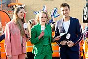 Koning Willem Alexander opent Koningsspelen in Lemmer. Dit jaar staat het thema water drinken centraal.<br /> <br /> King Willem Alexander opens King's Games in Lemmer. This year the theme is drinking water.<br /> <br /> Op de foto / On the photo: <br /> <br />  Milou Stoop , Lucas van de Meerendonk , Laura Hogendoorn