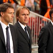 NLD/Amsterdam/20070908 - Kwalificatiewedstrijd EURO 2008, Nederland - Bulgarije, Joya, coach Marco van basten en assistenten Rob Witschge en john van 't Schip