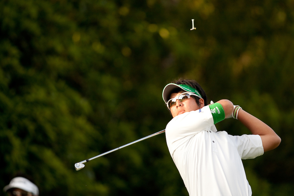 PACIFIC PALISADES, CA - FEBRUARY 20:  The tee flies in the air as Ryo Ishikawa hits a shot during the second round of the 2009 Northern Trust Open at Riviera Country Club in Pacific Palisades, California on Friday, February 20, 2009. (Photograph by 2009 Darren Carroll)  *** Local Caption *** Ryo Ishikawa