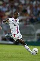 Fotball<br /> Frankrike 2004/05<br /> Lyon v Souchaux<br /> 14. august 2004<br /> Foto: Digitalsport<br /> NORWAY ONLY<br /> ERIC ABIDAL (LYON)